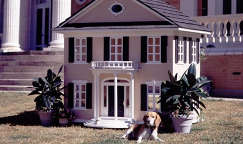 Dog House 7 Amazing Dog Houses. Rich dogs should have a nice home to love in too!  Beverly Hills Homes, Beverly Hills Real Estate   http://www.ChristopheChoo.com